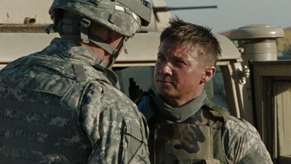 David Morse with Jeremy Renner as Sgt James in The Hurt Locker