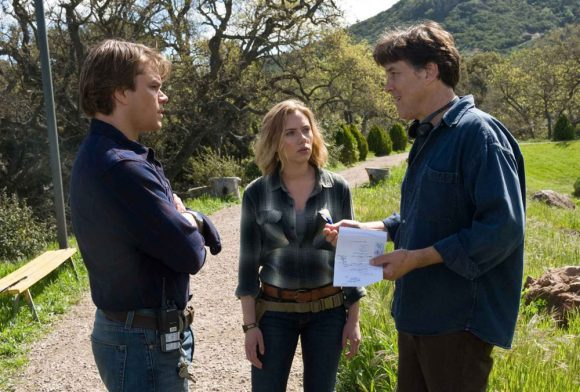 Matt Damon and Scarlett Johansson with Cameron Crowe in We Bought a Zoo