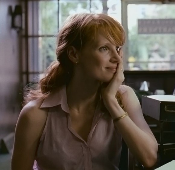 Jessica Chastain is Samantha in Take Shelter