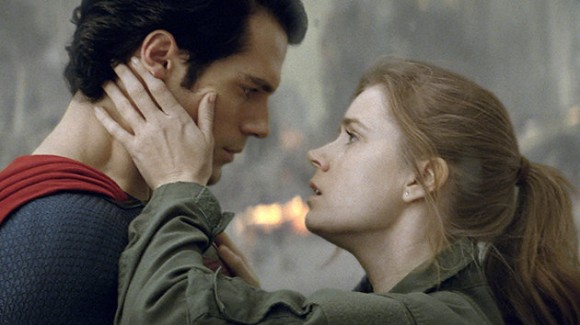 Henry Cavill as S and Amy Adams as Lois in Man of Steel