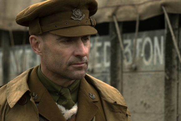 Mark Strong is Captain Smith in 1917