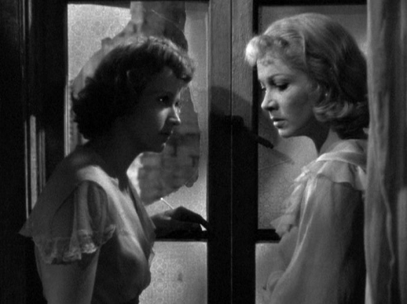 Kim Hunter and Vivien Leigh in A Streetcar Named Desire